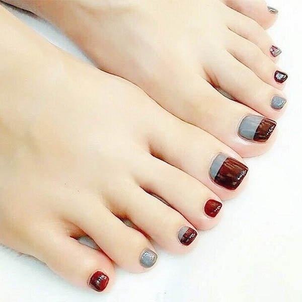 เล็บเท้าสีกาแฟตัดสีเทาความงดงามสไตล์เกาหลี