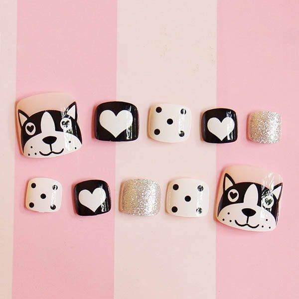 เล็บเท้าลายน้องหมาสีขาวตัดดำมีเล็บสีเงินสวยน่ารักฝุดๆ