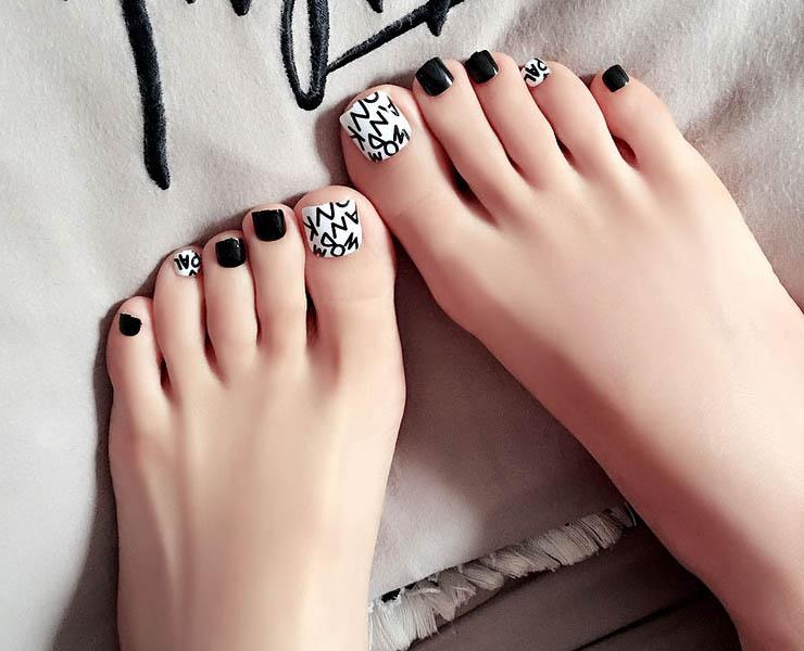 ทาเล็บสีอะไรเท้าขาว..เท้าสวย..ดูดีขึ้น..มีคำตอบ!