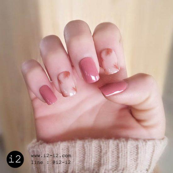 เล็บปลอมแฟชั่นเล็บสีชมพูสลับเล็บสีเรียบเพ้นท์สายน่ารักๆแนวสาวญี่ปุ่น