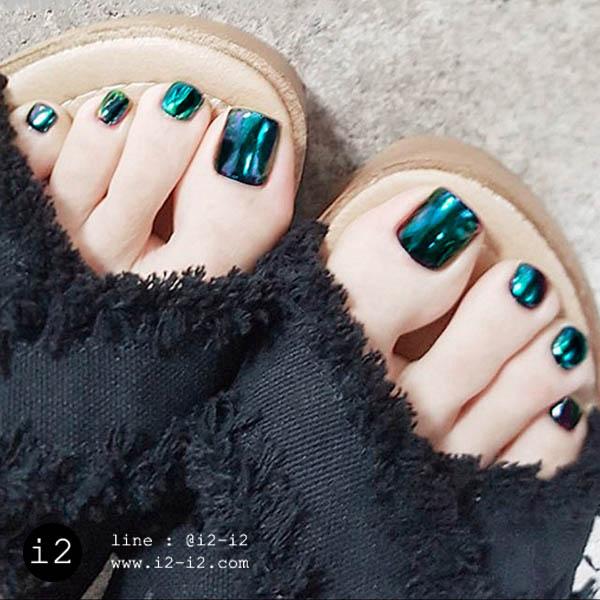 เล็บเท้าแนวมิลเล่อร์สีเขียวมรกตแฟชั่นสวยปังน่าค้นหา